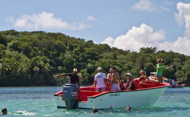 Journée bateau complète sur la côte Est de l'île